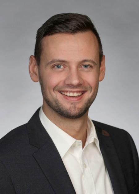 Dr. Andreas Walus